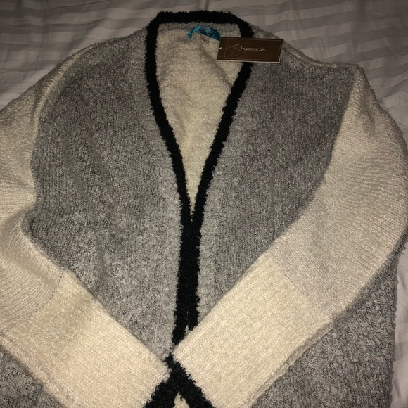 Francesca's Collections Sweaters - Women's sweater